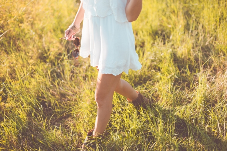 young-girl-enjoying-her-free-time-in-a-sunny-meadow-picjumbo-com
